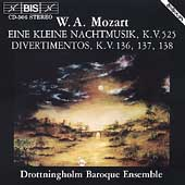 Mozart: Eine Kleine Nachtmusik, Divertimenti K 136, 137, 138