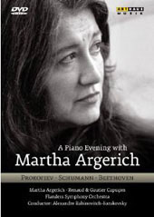 A Piano Evening with Martha Argerich / Prokofiev, Schumann, Beethoven [DVD]